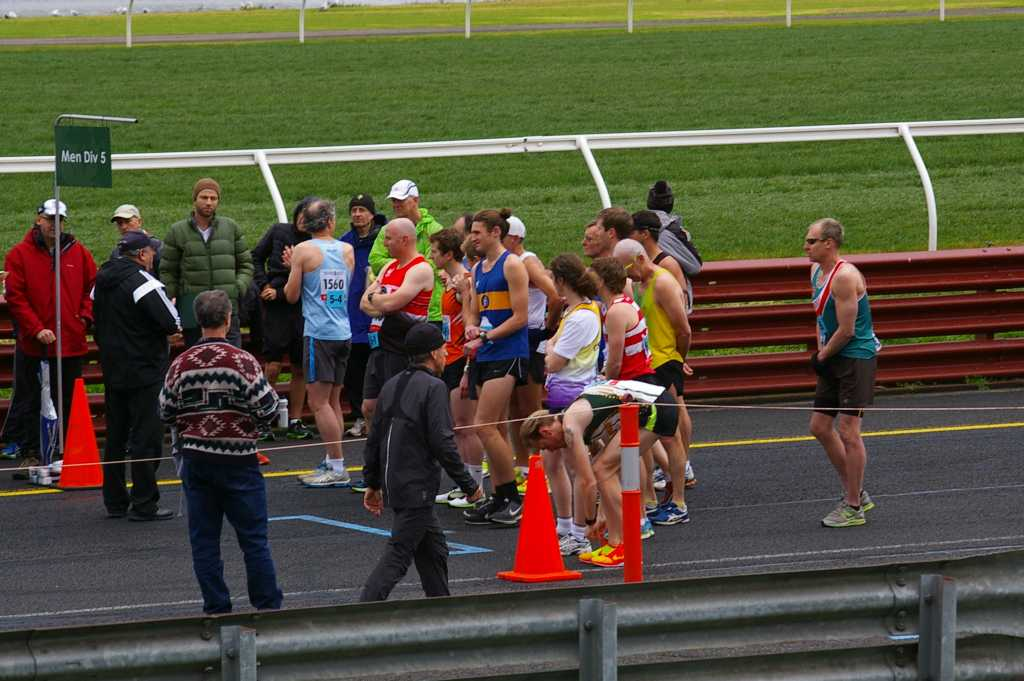 Division 5 runners at the start line