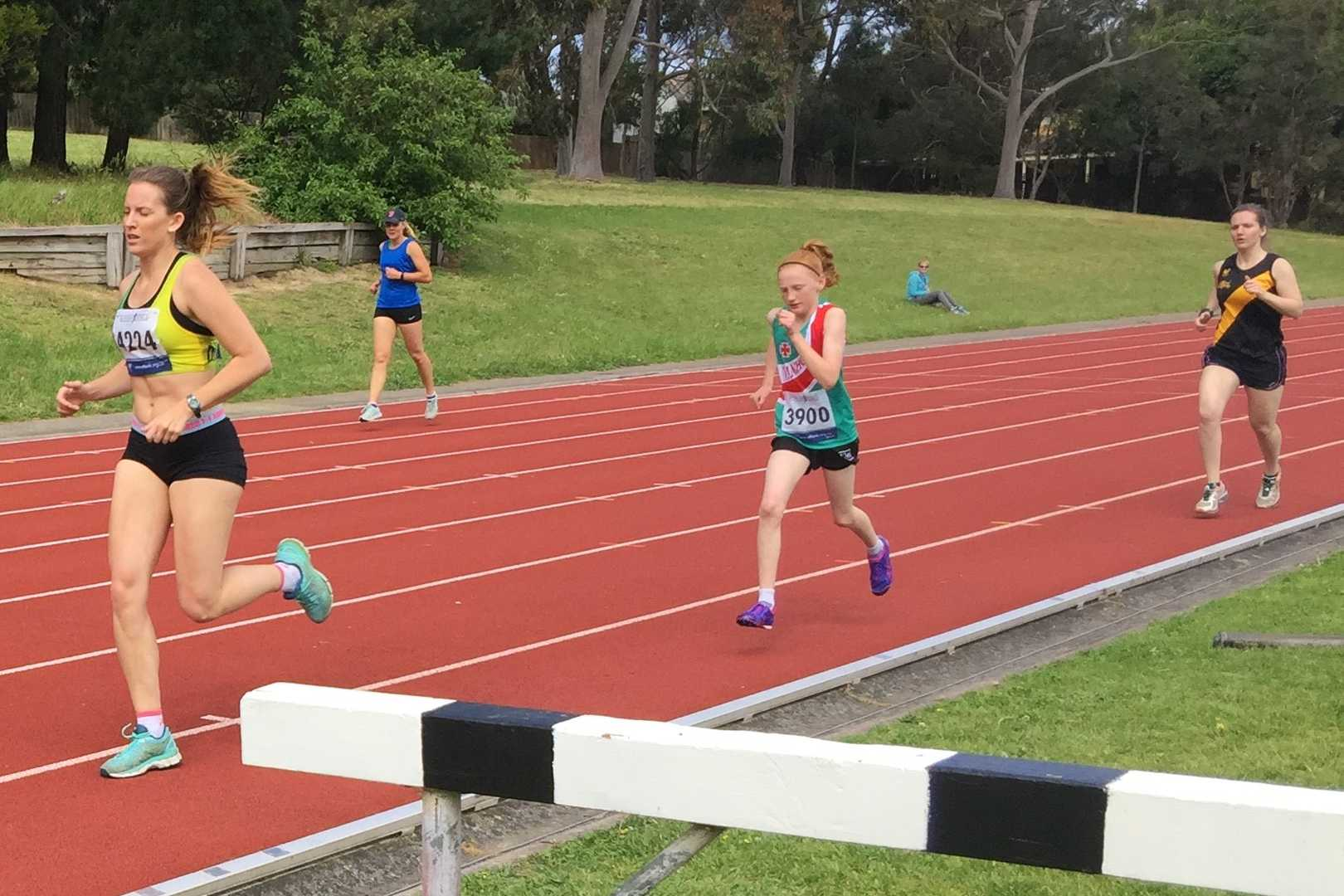 Freya working hard in the 800m